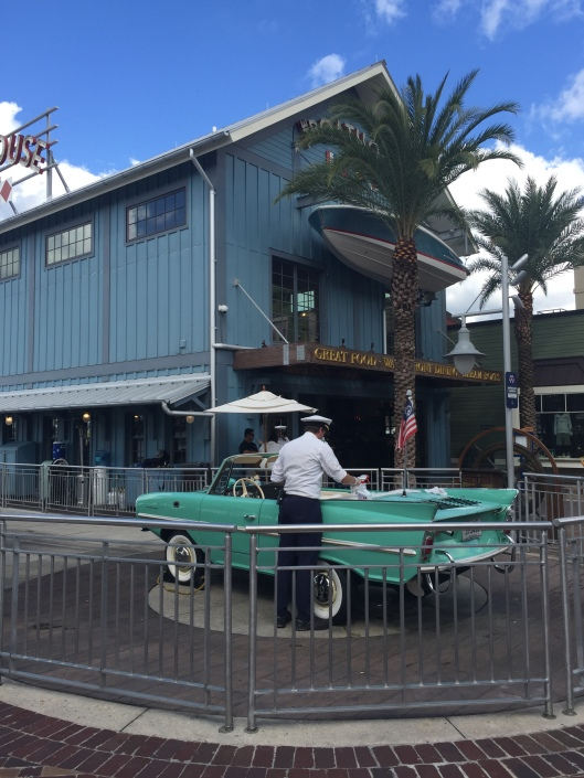 Amphicar-Boathouse